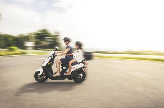 Double scooter rental on Ile d'Orleans (for 2 people)