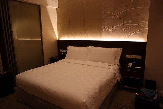 โรงแรม โอซาก้า แมริออท มิยาโกะ: Nice bed to come back to each evening