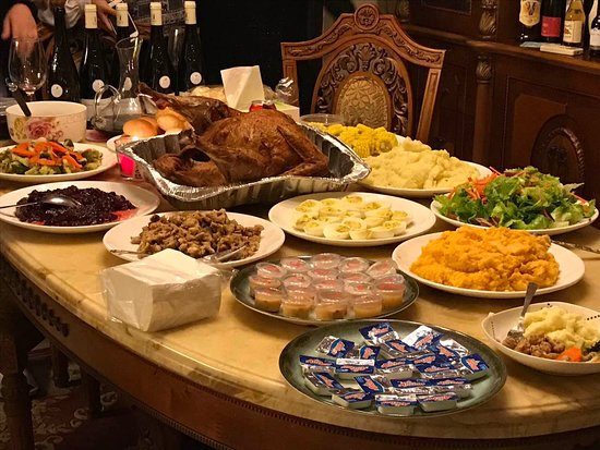 Majic : Home delivery of Thanksgiving Dinner
