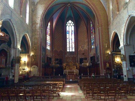 Eglise Paroissiale Saint-Pierre : Nave central