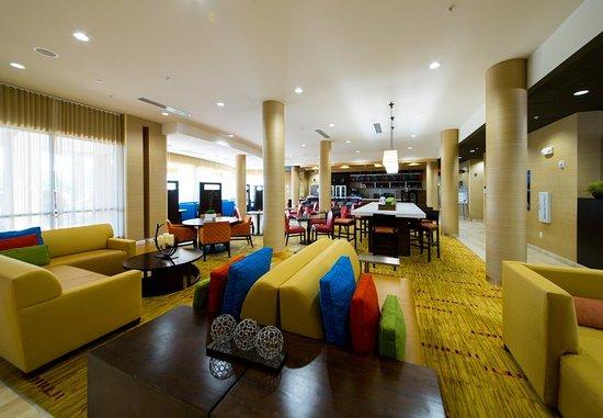 Courtyard Warner Robins: Lobby