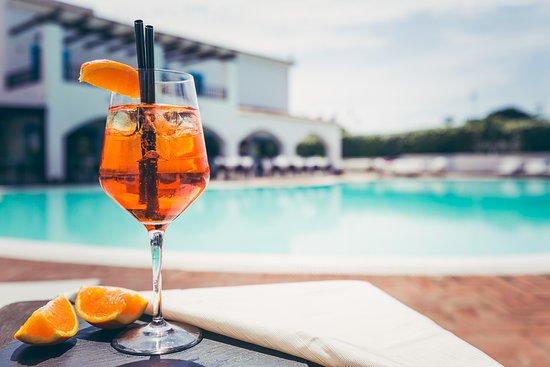 Ristorante La Colombaia: Un aperitivo a bordo piscina