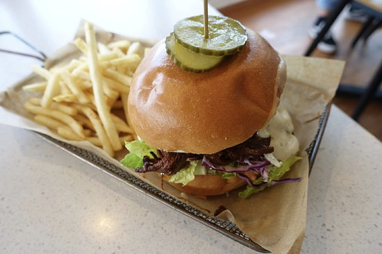 Penny Whistlers Cafe: Whistlers Burger