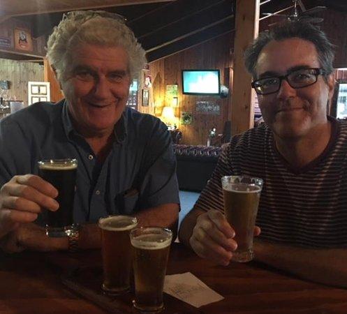 Granite Belt Brewery & Restaurant: beer tasting..yeah