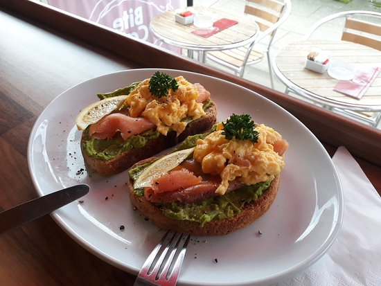 Bite Cafe : Scrambled eggs, smoked salmon, homemade guacamole on brown bloomer....