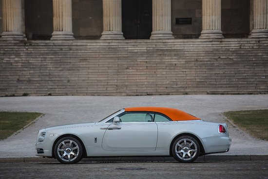 Rent Luxe Car照片