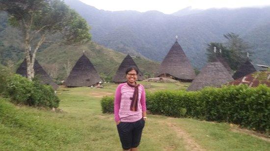 Wae Rebo Village: Berfoto diatas desa
