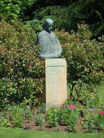 Monument a Verlaine