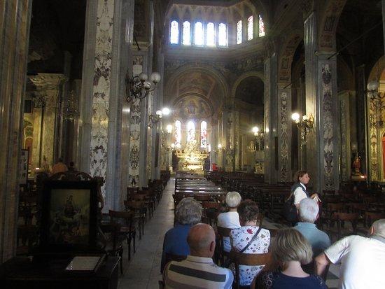 Basilica dei Santi Gervasio e Protasio: interno chiesa