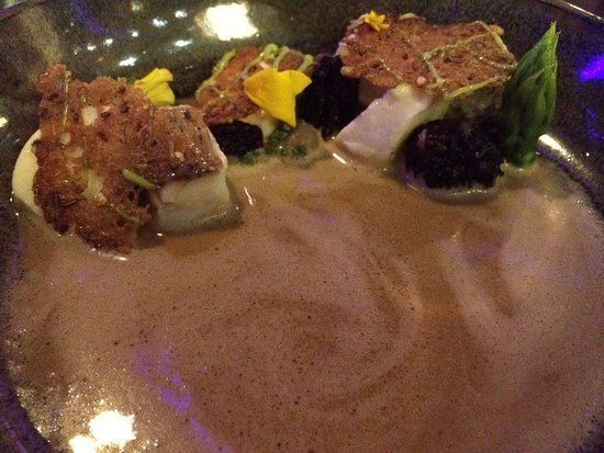 Restaurant Ikarus: hot dish finally