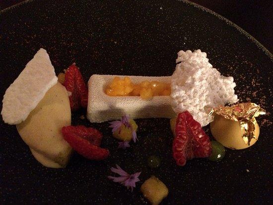 Restaurant Ikarus: fruit etc