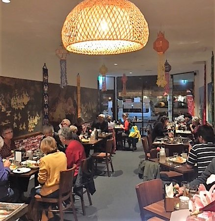 Lanna Thai Cuisine: busy night