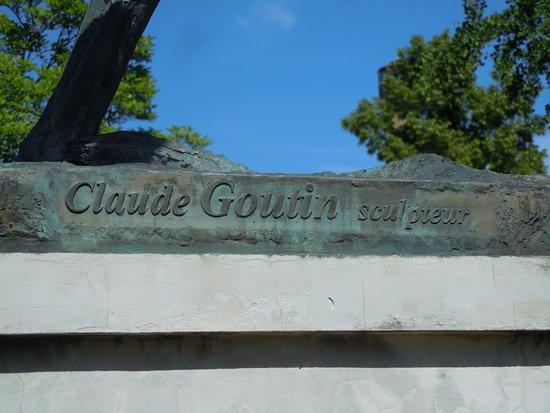 Monument a La Fayette: Signature du sculpteur