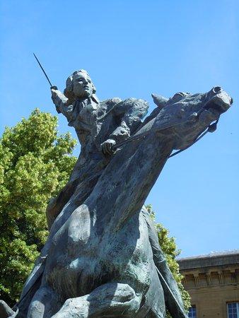 Monument a La Fayette: Détail de la sculpture