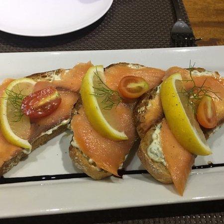 Паста Хауз: Брускетта с лососем