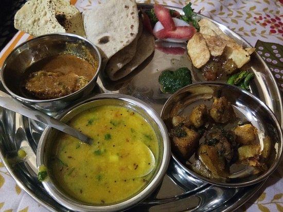 Sharmila's Kitchen: Homemade Thaali