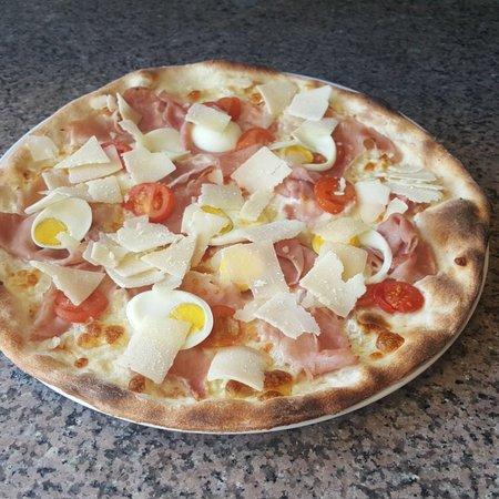 Cafe De La Randonnee: Pizzaaaaaa