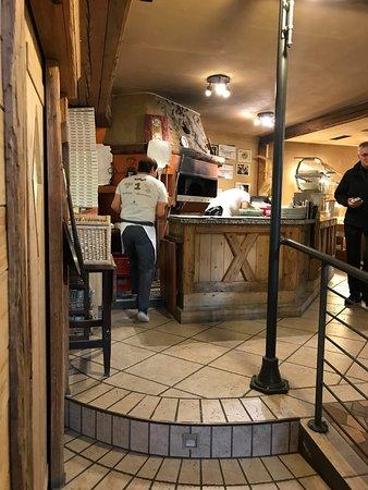 Ristorante Pizzeria Remo: Der bekannte Pizzaofen