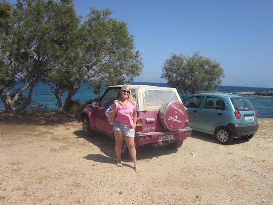 Ampelas, اليونان: A beautiful car parking lot!