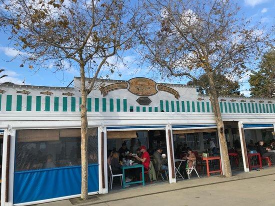 Chiringuito Las Sardinitas: Vista desde el paseo