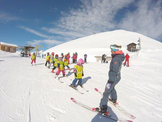 ESI École de Ski Internationale: Cours collectifs enfants /8 maximum par groupes