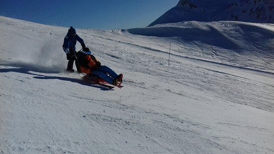 ESI École de Ski Internationale: Handiski Taxiski