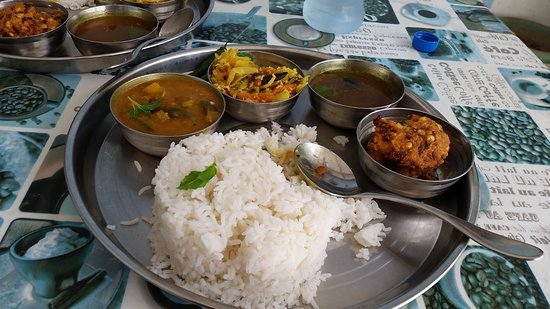The Copper Pot (take-out): Vegetable Thali