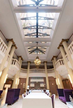 Tryp Madrid Cibeles Hotel: Lobby
