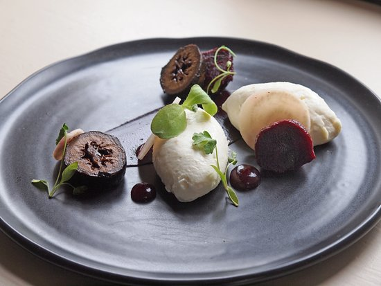 The Coolstone: Goats cheese mousse