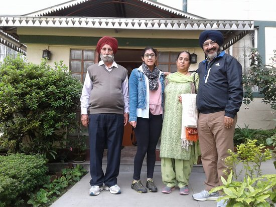 Mount Himalayan Resort : Happy Guests Mr.Sukhwinder Singh & family.