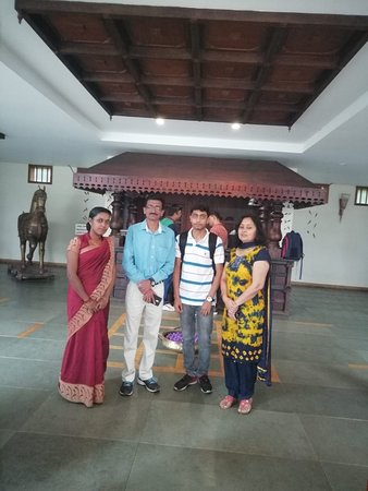 Kunjithanny, Indie: Happy guest Mr Rakesh Puri and family.