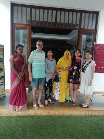Kunjithanny, Indie: Happy guest Mr Ramesh Chandra and family.