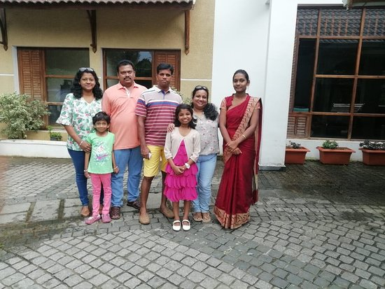 Kunjithanny, Hindistan: Happy guest Mr Richard and family.