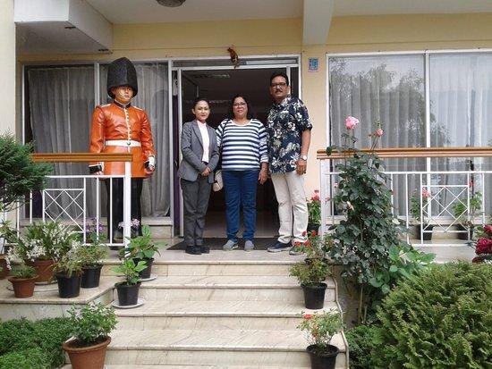 Mount Himalayan Resort : Happy guests Mr & Mrs Rahul Kanagat.