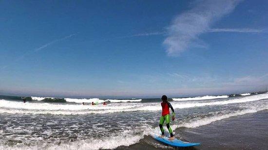 Acrobatic Wave School : Surf Kids; Surf Experience.
