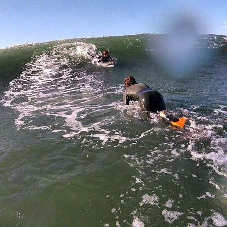 Acrobatic Wave School : Surf and Bodyboard Trips; Searching Perfect Waves.
