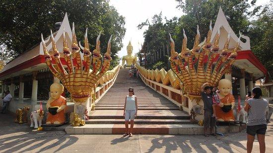 วัดพระใหญ่: Big Buddha