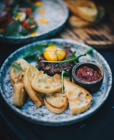 The Grill House : Classic boeuf a'la tartar