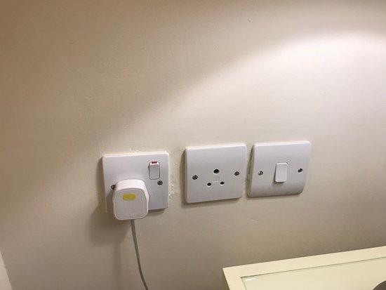 Loch Fyne Poole: non uk plug sockets