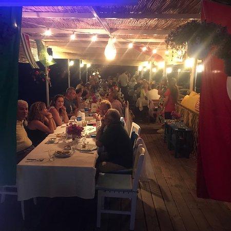 写真Gundogan Hasır Beach Restaurant枚
