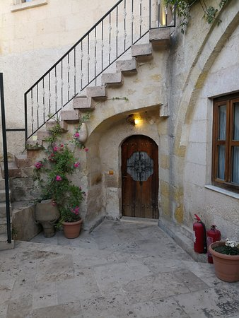 Cappadocia Cave Rooms : Steps leading to the terrace (reception and dining areas)