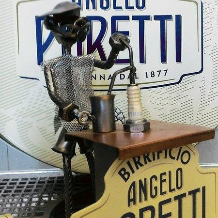 Villasanta, Italia: VV1865 è lieta di annunciare la nuova collaborazione con Birrificio Angelo Poretti . Chiara lage