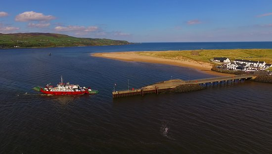 Scenic Lough Foyle Ferry: Ferry coming into Magilligan
