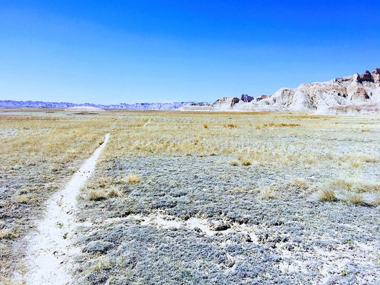 Conata Picnic Area: remote hiking through the Badlands on the way to Deer Haven