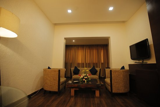 Hotel Great Maratha: Royal Suite Room living  Room