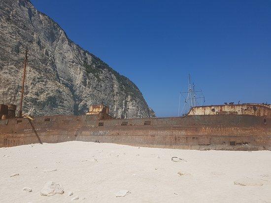 那瓦吉欧海滩(沉船湾)照片