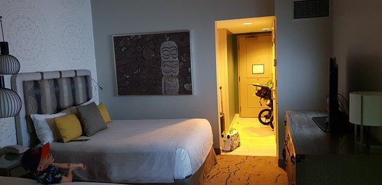 โลวส์รอยัลแปซิฟิกรีสอร์ท แอท ยูนิเวอร์แซล: Room 2111