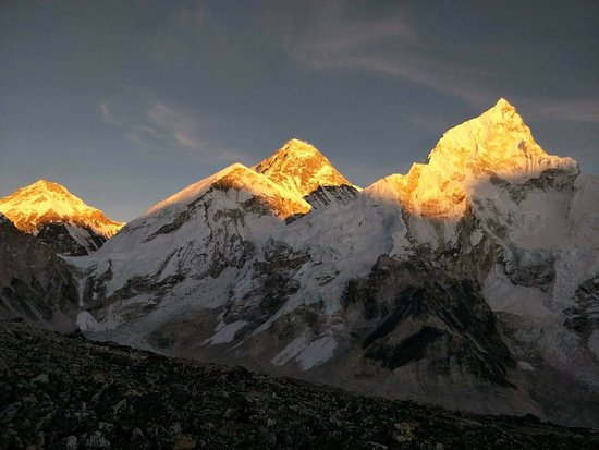 Mountain Eco Treks & Expedition:  During sunset time  at Mt.Everest. Photo taken from Kallapathar 5545m.