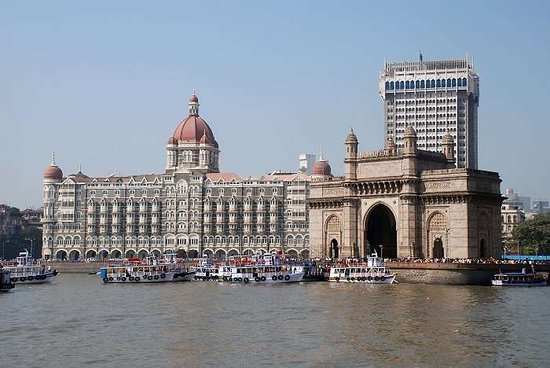 Gateway of India, best place to visit and also have a boat trip