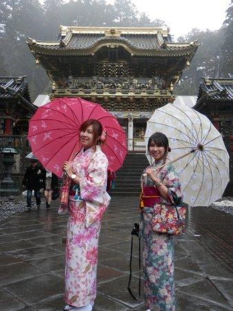 Nikko Tosho-gu locals in colour